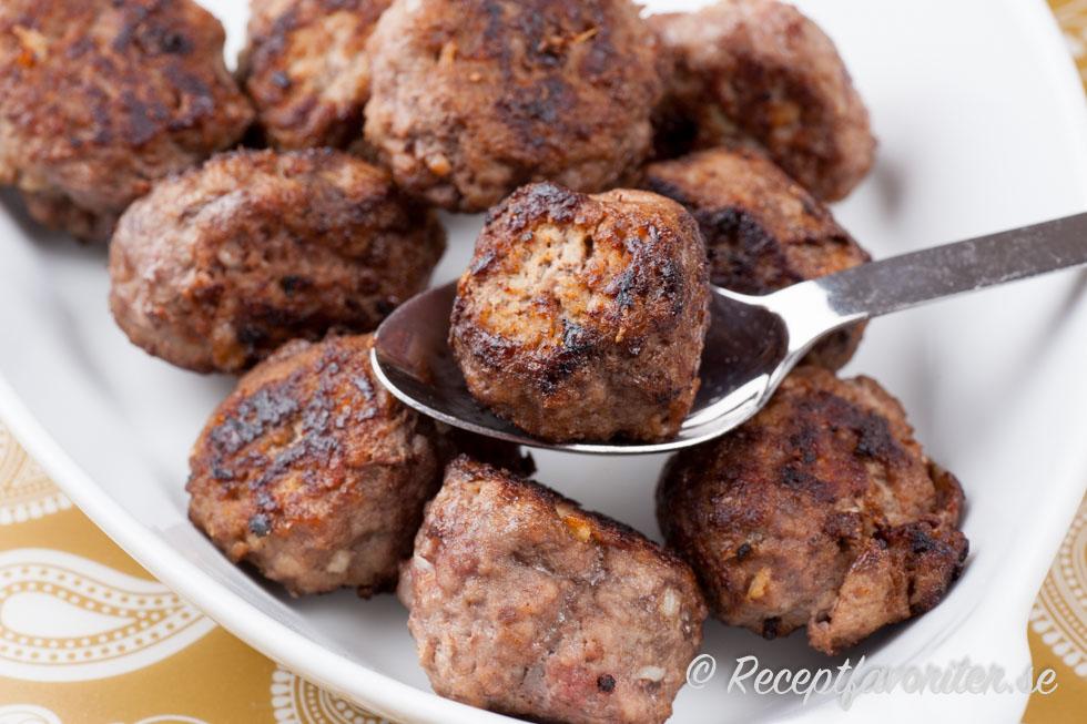 köttbullar högrev recept