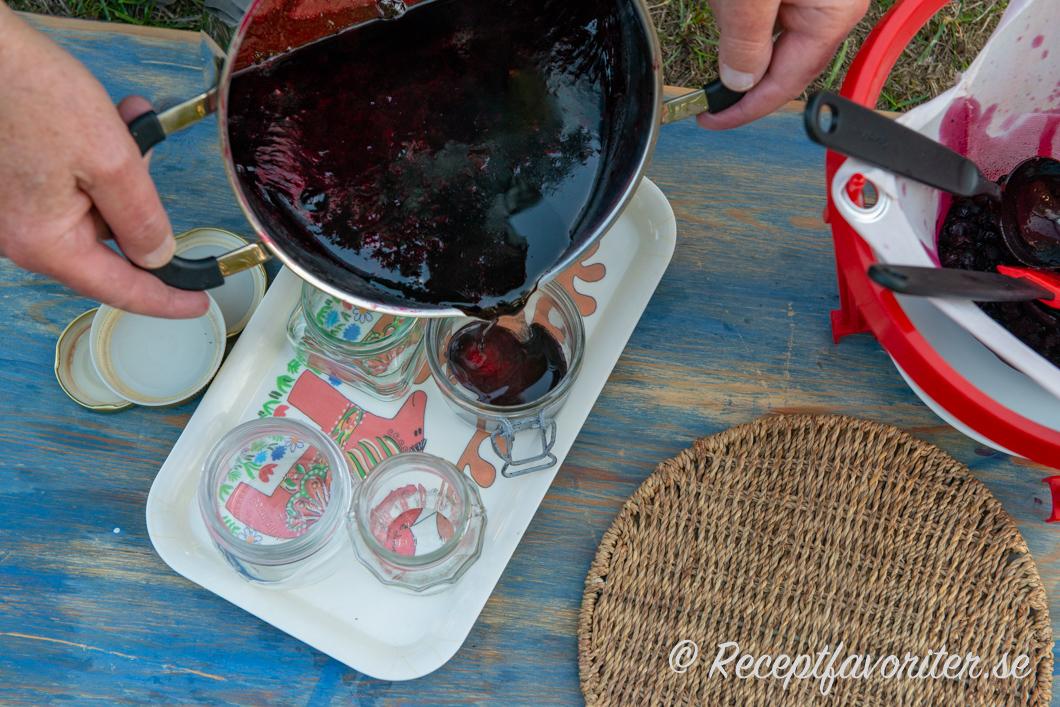 torkade aroniabär recept
