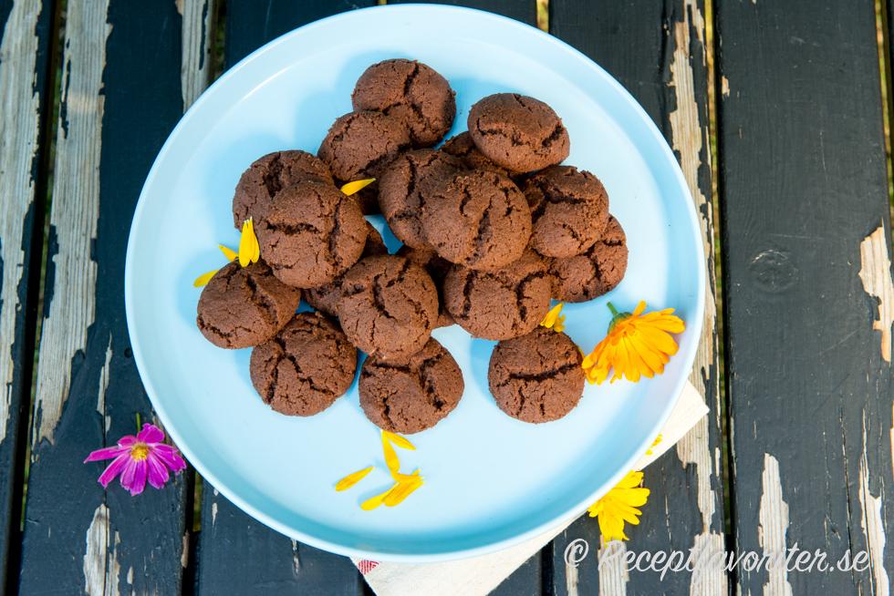 chokladdrömmar med chokladbitar