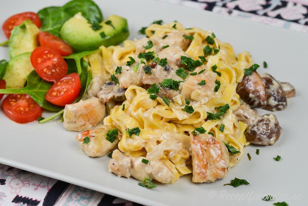 kycklinggryta och pasta