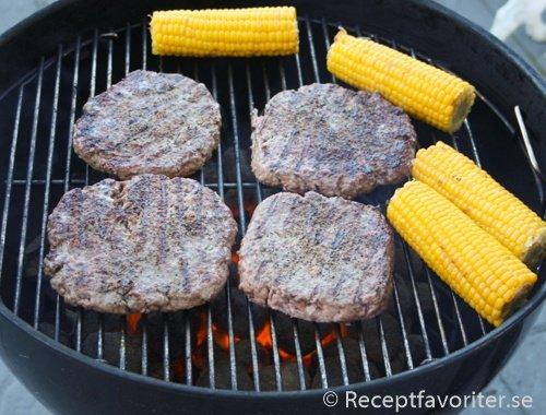grilla hamburgare recept
