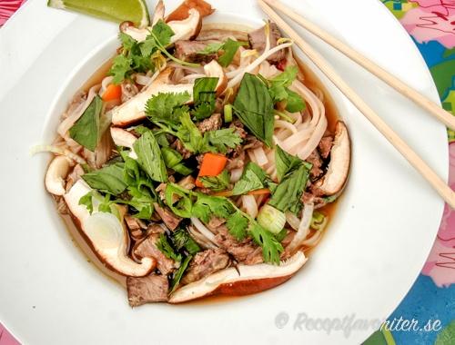 Pho-soppa med kött