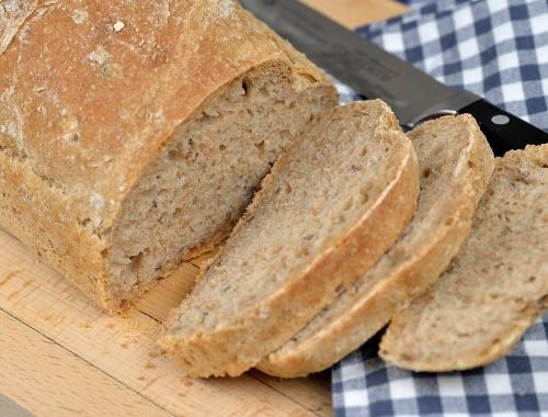 Gi-bröd gi-limpa med dinkel och jäst