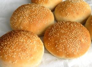 Hembakat hamburgerbröd