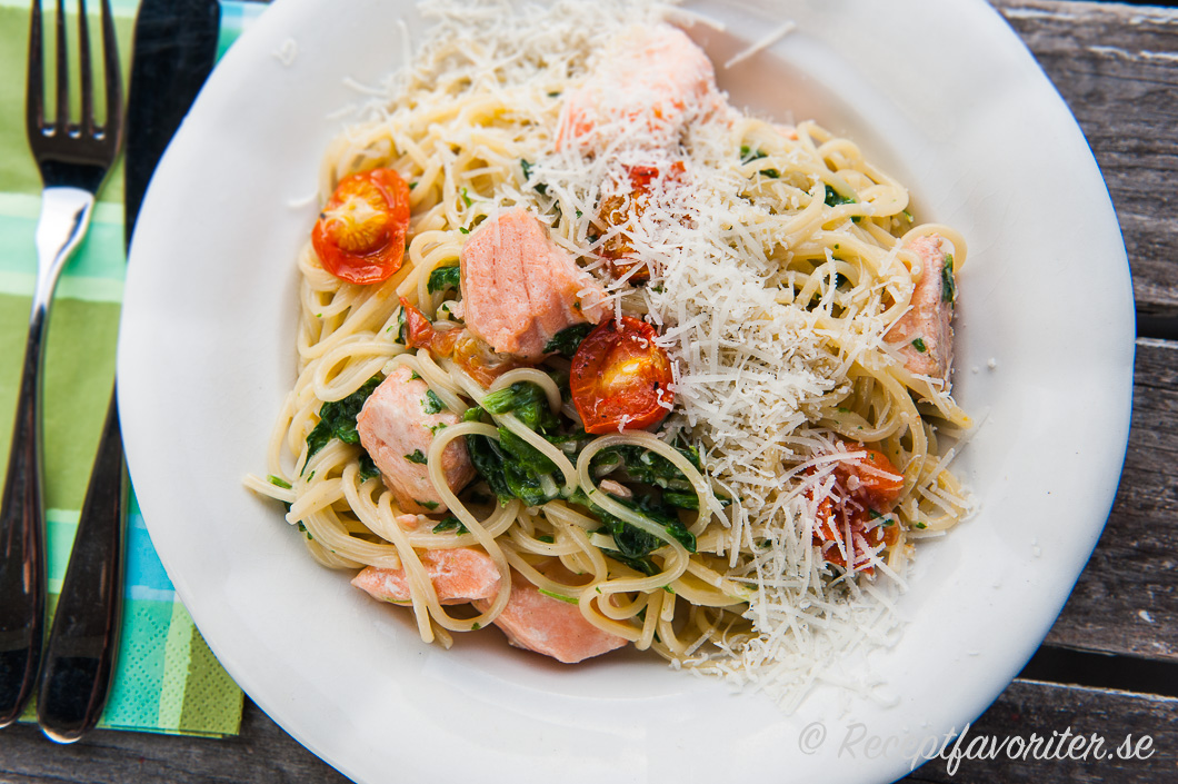 pastasås lax spenat
