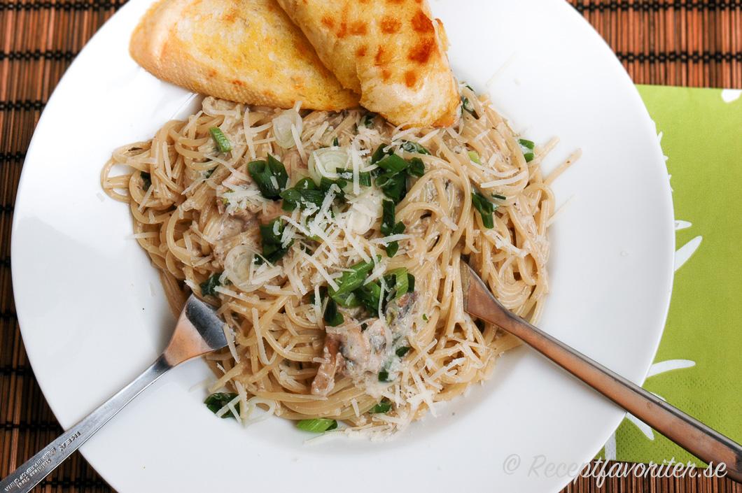 pasta med champinjonsås