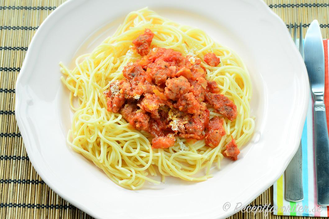 pasta med korv