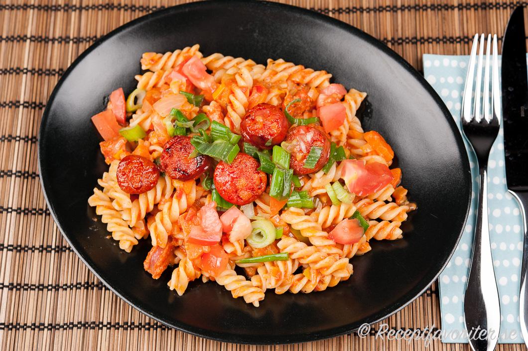 enkel korvgryta med pasta