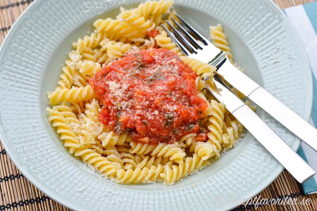 godaste tomatsåsen till pasta