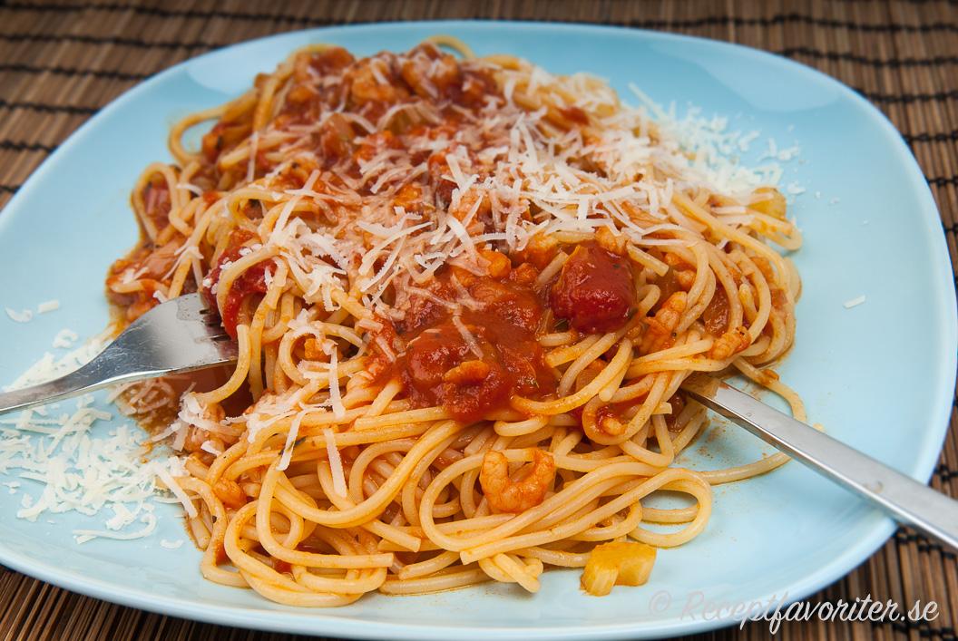 pasta med räkor tomatsås
