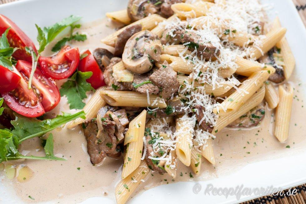pasta rödvin recept