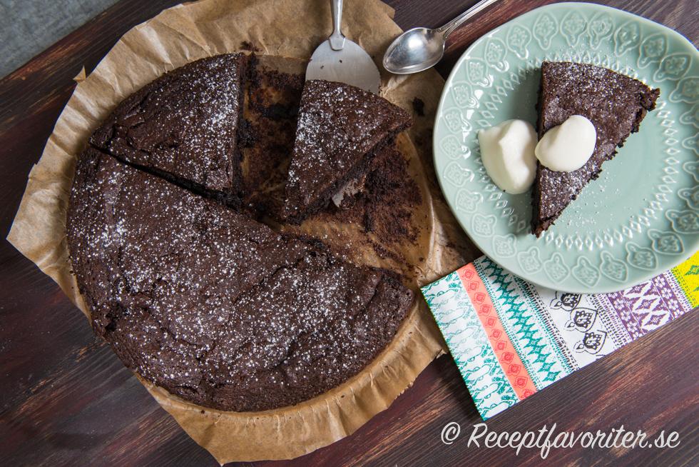kladdkaka med choklad och kakao
