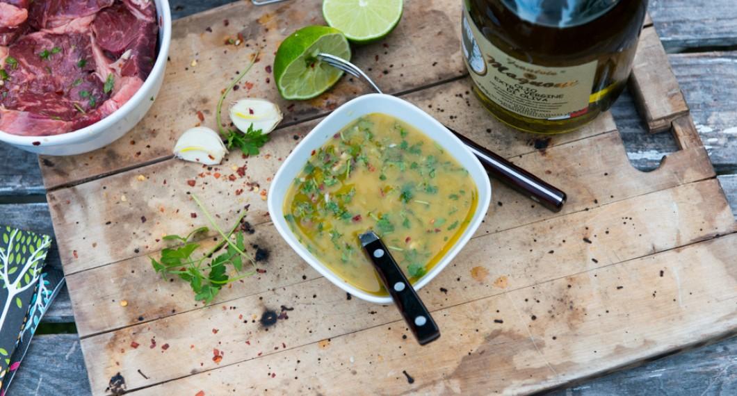 Chimichurri - en argentisk sås,  marinad och salsa till grillat.