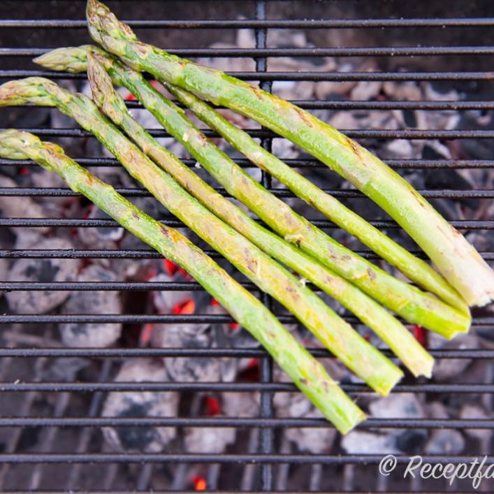 hur kokar man grön sparris