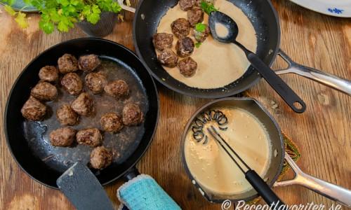 Älgköttbullarna kan du servera som de är eller med god sås