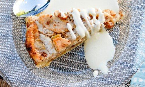 Äppelkaka med hasselnötter
