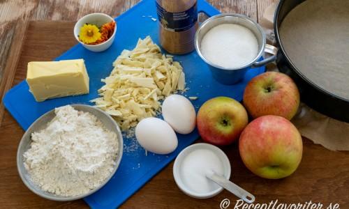 Ingredienser till äppelkladdkakan