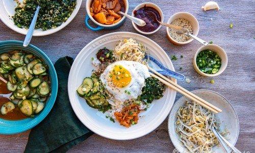 Koreansk mat som Bibimbap - rispytt.