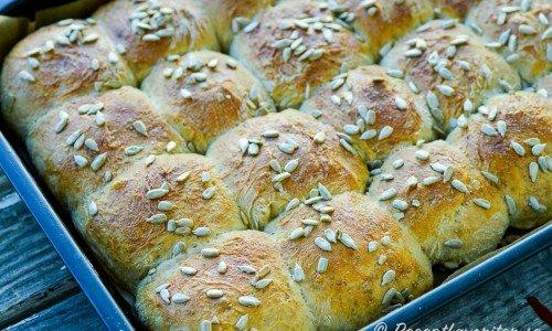 Brytbröd i långpanna är egentligen vanliga frallor som bakats tätt i en bakplåt.