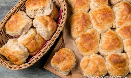 Saftiga brytbröd eller frallor med kvarg