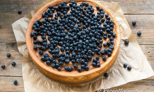 Cheesecake kan lagas två olika vis - en variant är obakad - Nobake - cheesecake och en är med ägg som bakas i ugnen.