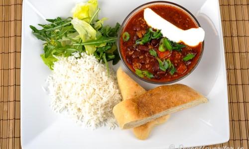Chiligrytan är god med ris, grönsallad och gott bröd till.