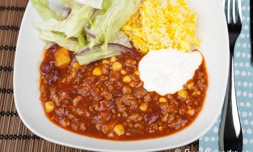 Chili con quorn - en chiligryta med quornfärs, bönor, tomat och majs.