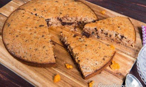 Recept på olika sockerkakor och varianter på dessa. Ovan en slags sockerkaka med chokladbitar och hjortronsylt.