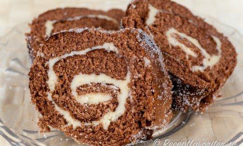 Chokladrulltårta - en rulltårta med choklad även kallad Drömtårta.