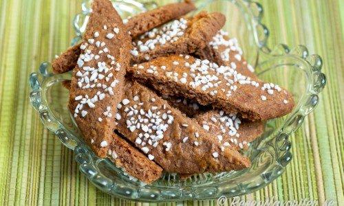 Chokladsnittar på kakfat