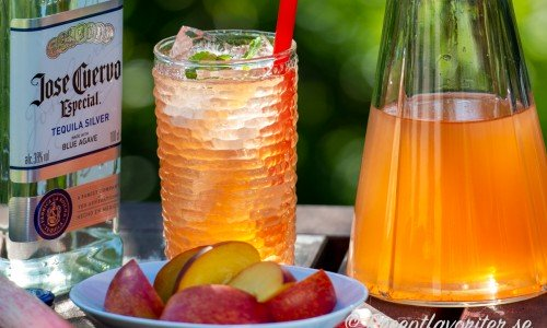 Cocktail med rabarber