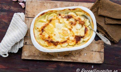 Enkel potatisgratäng i form