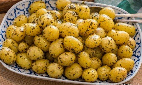 Enklaste potatisen till fest på fat