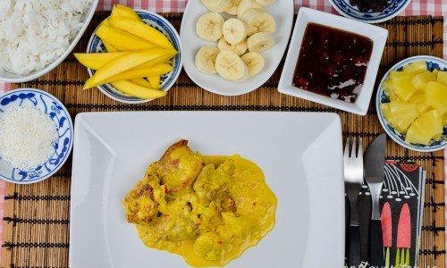Fläskfilé Africana panna med curry och grädde med tillbehör.