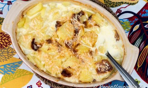 Fransk potatisgratäng med grädde och vitlök