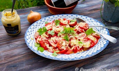 Tomatsallad på franskt vis med Dijonsenap