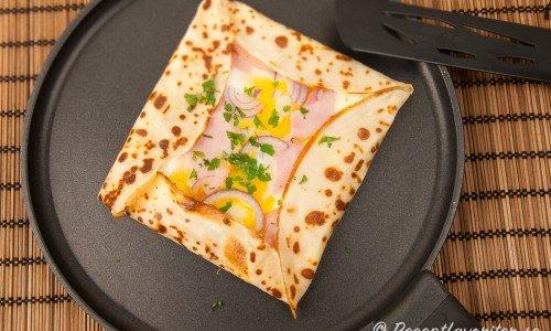 Galette med ost och skinka