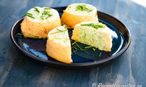 Grönsakstimbaler med morot och broccoli till servering