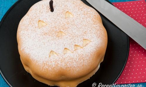 Halloweentårta med marsipan