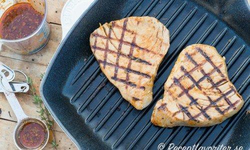 Halstrad tonfisk i grillpanna