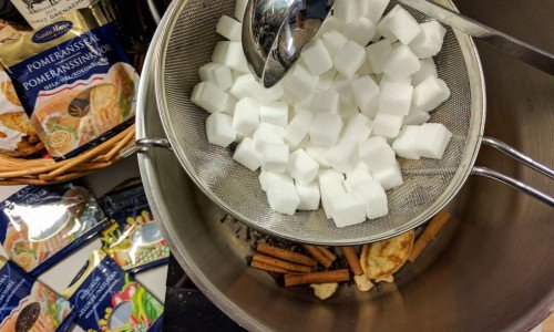 Socker i durkslag till glödgad glögg variant
