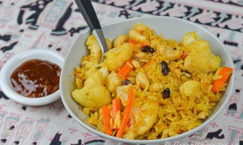 Indisk rispilaff Biriyani med valnötter, russin och grönsaker