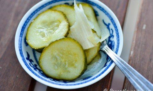Inlagd gurka med färsk pepparrot