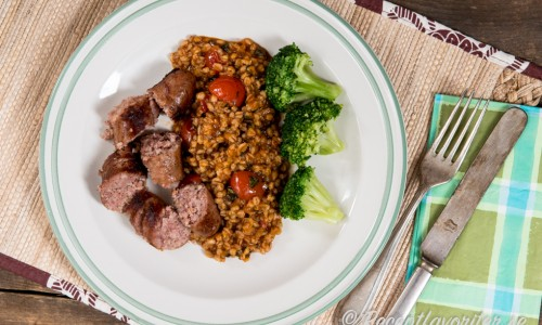 Tomatveteotton är god som tillbehör till det mesta ex. stekta isterband (ovan), stekt kycklingfilé, lax, kotlett med mera