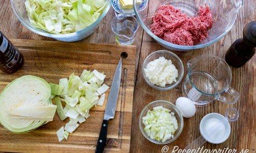 Ingredienser till kålpuddingen