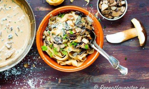 Karljohansvampsås med pasta