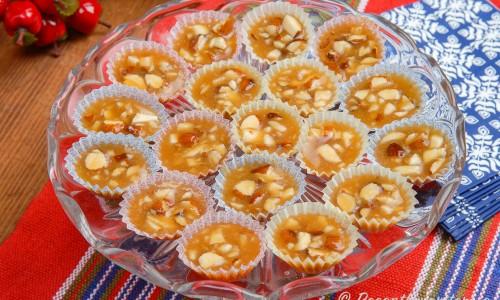 Knäck med nötter i små formar