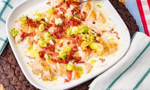 Kyckling i ugn med bacon i form