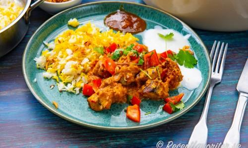 En tallrik kyckling Tikka Masala