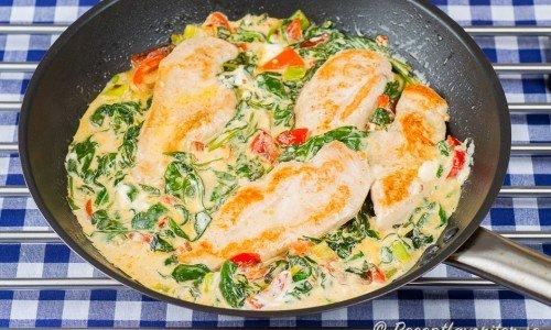 Kycklingfilé med crème fraiche och spenat i panna